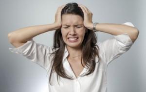 Первая помощь и лечение: что делать, если болит голова в области глаз