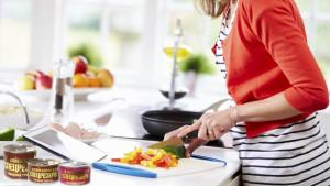 Рецепты с тушенкой – первые и вторые блюда на скорую руку