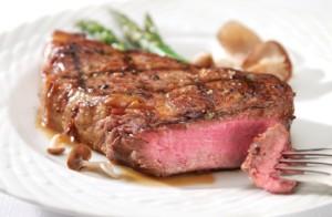Говядина на гриле – мясо с румянцем! Стейки из говядины на гриле с овощами, в луковом, медовом, чесночном и майонезном маринаде