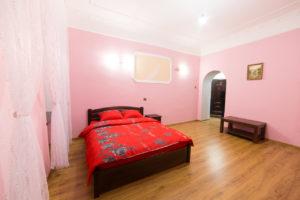 Посуточное жилье: квартира или гостиница?