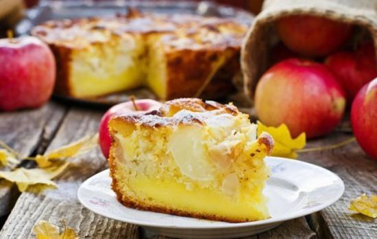 Яблочный пирог (пошаговый рецепт) – любимое домашнее лакомство. Яблочный пирог: пошаговый рецепт быстрого приготовления