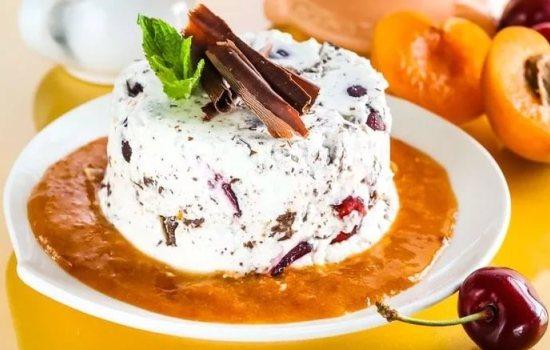 Творожные десерты – лёгки и полезны. Простые проверенные рецепты десертов из творога с фруктами, печеньем и мёдом