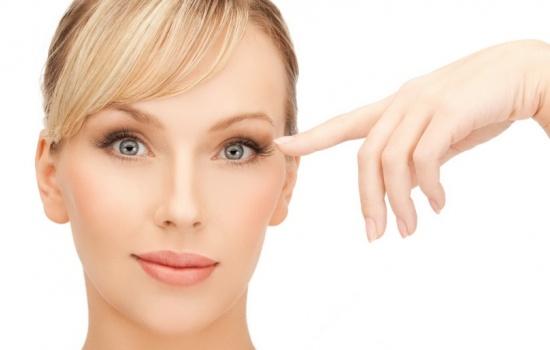 Почему дергается веко: причины нервного тика на глазу. Узнайте, почему дергается веко у взрослого и у ребенка
