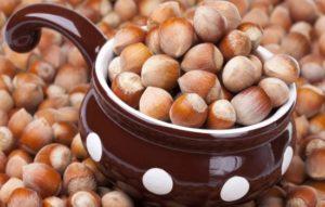 Фундук — полезный лесной орех в рационе женщин. Может ли фундук нанести вред при чрезмерном употреблении?