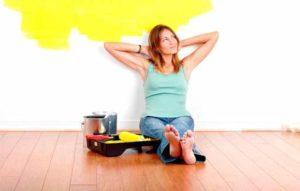 12 примет и суеверий о потолках, полах и стенах. Правда ли, что щели в полу приносят финансовые неприятности?